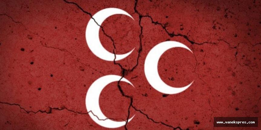 MHP'li ilçe başkanı istifa etti