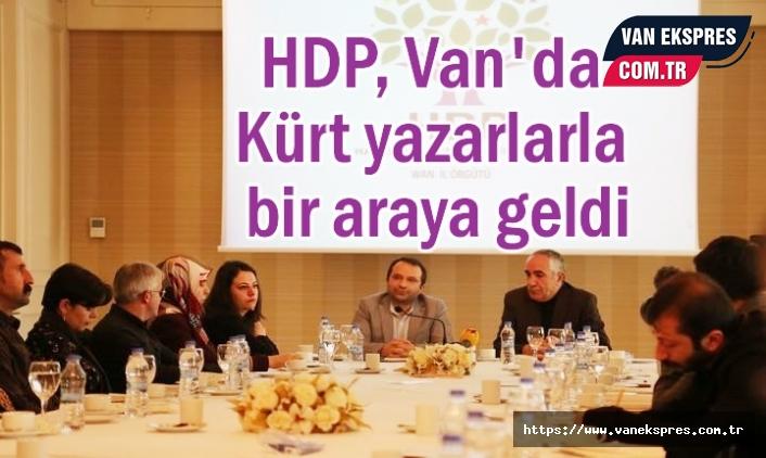 HDP Van'da Kürt Yazarlara Buluştu