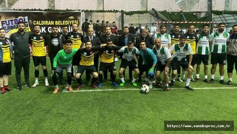 Çaldıran'da 'Ak Gençlik' futbol turnuvası sona erdi
