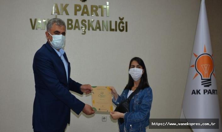 """Van'da """"Cemreyiz Biz"""" projesi katılımcılarına sertifika"""