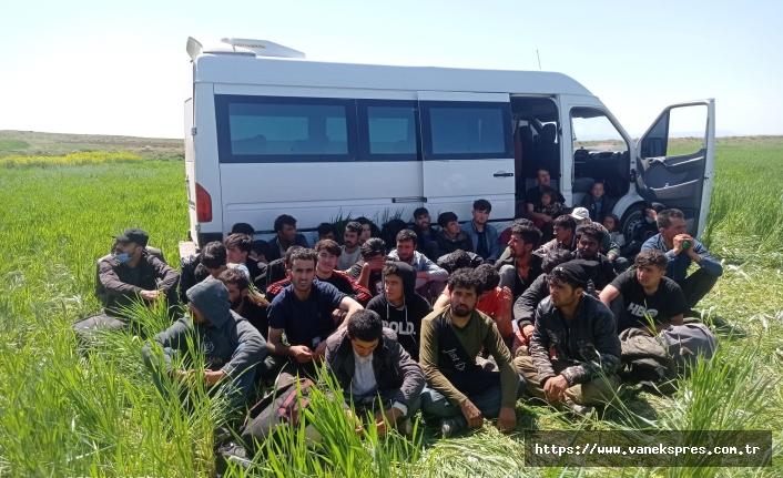 Van'da 47 düzensiz göçmen yakalandı