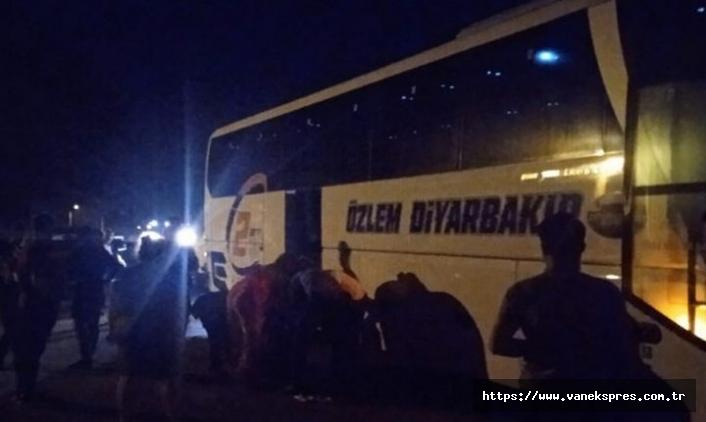 Diyarbakır otobüsüne taşlı saldırı: 2 yaralı