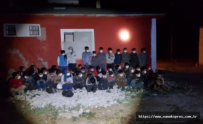 Van'da şok ev baskınları 46 Göçmen yakalandı