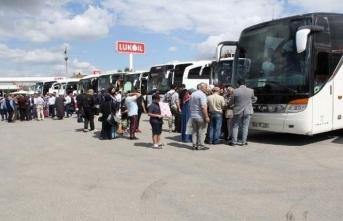 Van'dan 2 Uçak 3 otobüs seçim için İstanbul'a gitti