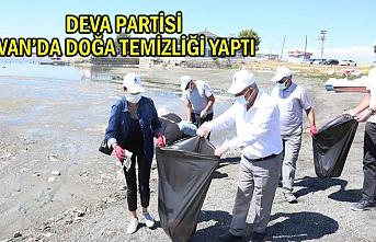 Van'da Deva'cılar Sahilde Çöp Topladı