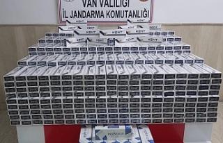 Van'da 8 bin paket kaçak sigara yakalandı:...
