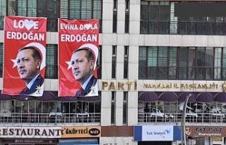 'Samimi değilsiniz olsanız Kürtçeyi eklerdiniz'