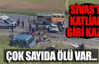 Sivas'ta trafik kazası: Van ve Ağrılı 9 kişi...