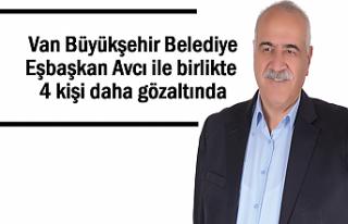 Van Büyükşehir Belediye Eşbaşkanı ile 4 kişi...