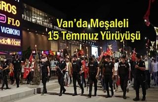 Van'da 15 Temmuz Yürüyüşü
