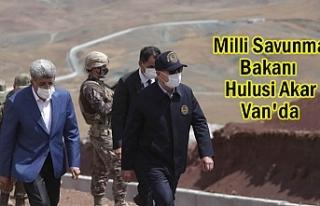 Bakan Akar Van'da Sınır Birliklerini Denetledi