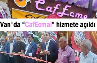 Ecmel Kafe Van Şemsiyeli Sokakta Açıldı