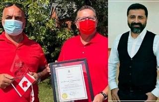 Kürt Pizzacı, Kanada'da aldığı ödülü...