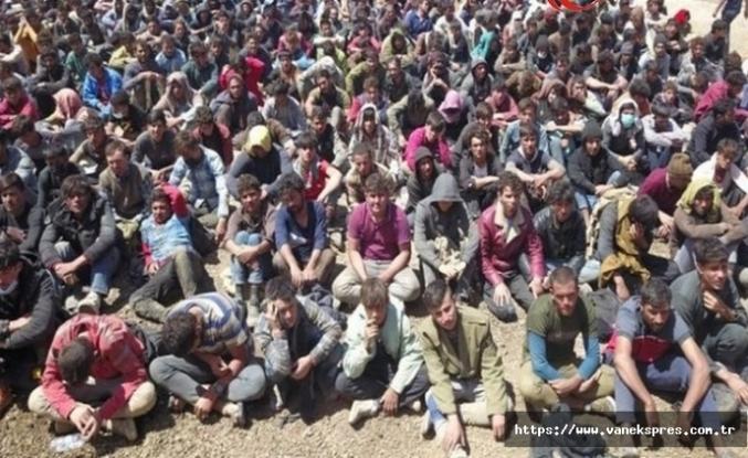 Van'da yakalanan 300 mülteci sınır dışı edilecek